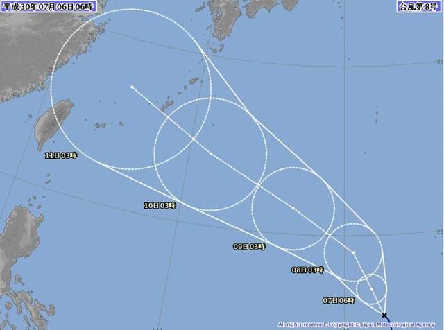 6日現在の台風8号(2018年)気象庁の最新進路予想では10日から11日にかけて沖縄本島に最接近します。9日には台風の勢力で最も強い「猛烈な台風」となり最大瞬間風速